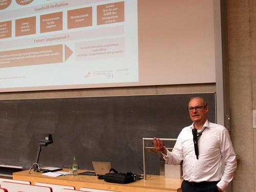 "Gastvortrag ""Strategic impact of business combination accounting"