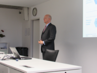 "Zum Artikel """"Trends and challenges for corporate disclosures"": Kickoff round 15 in seminar cooperation with Dr. Ralf P. Thomas (CFO of SIEMENS AG)"""